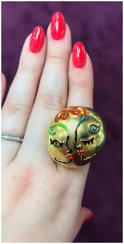 I love this kiss ring by Sicillian designer Giuliana di Franco!!