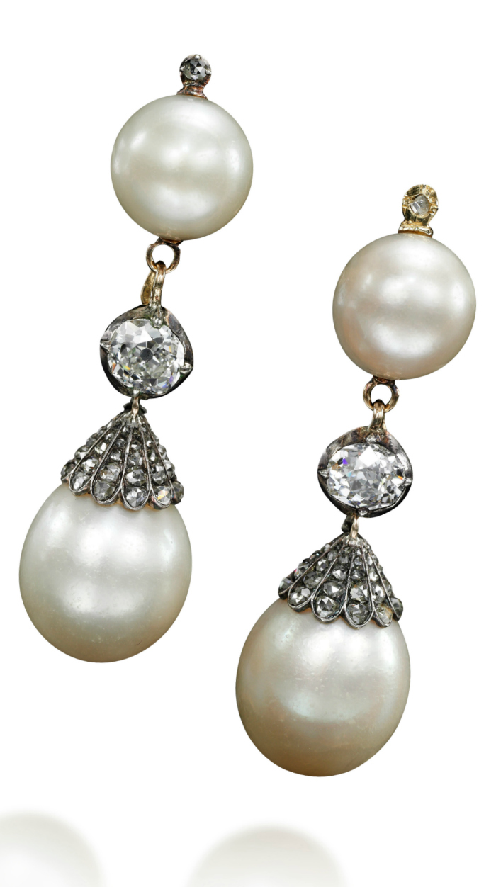 These late 18th century natural pearl and diamond earrings belonged to Queen Marie Antoinette - Sotheby's Geneva 14 Nov 2018
