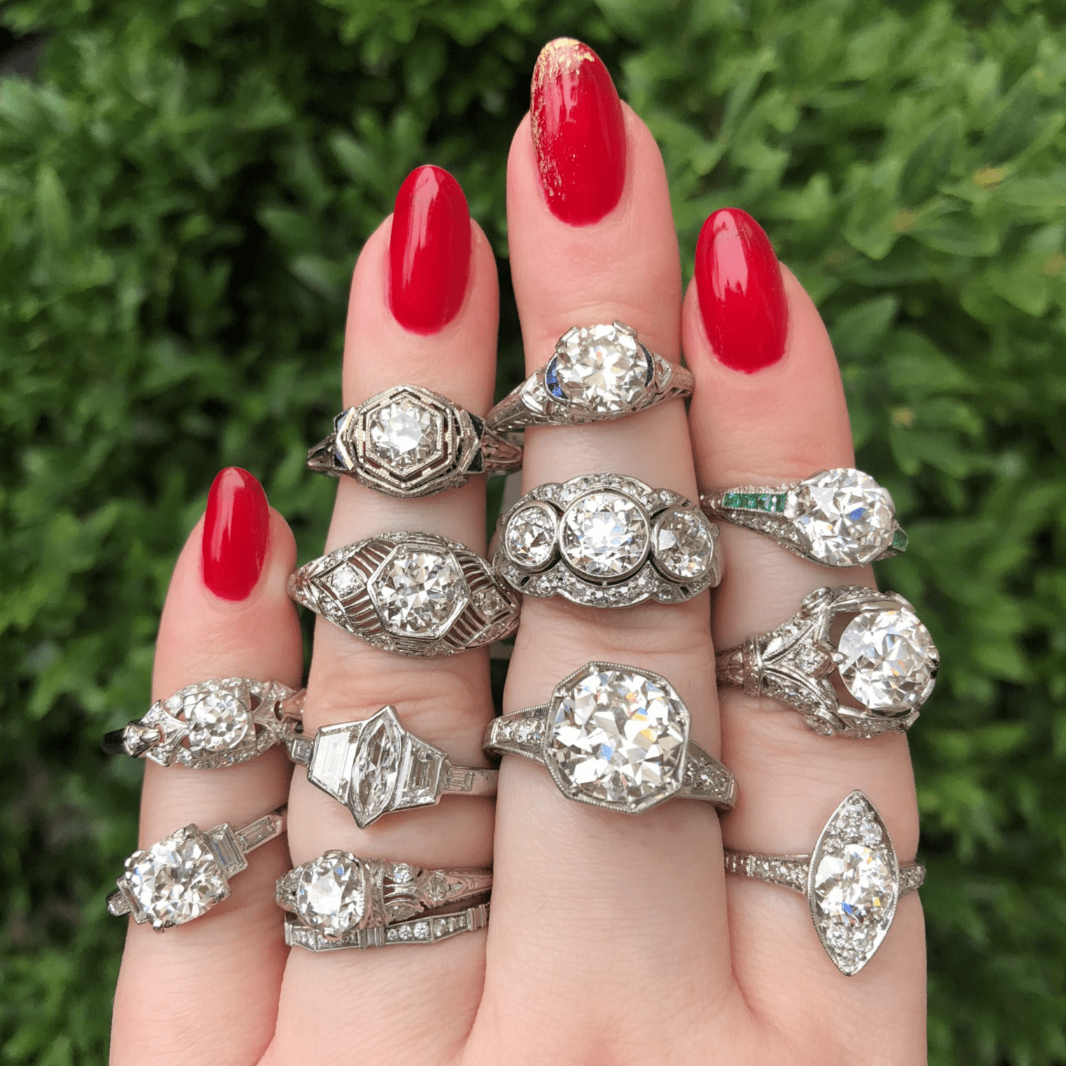 Crazy beautiful antique diamond rings from Wilson's Estate Jewelry! Look at all those vintage and Art Deco engagement rings.