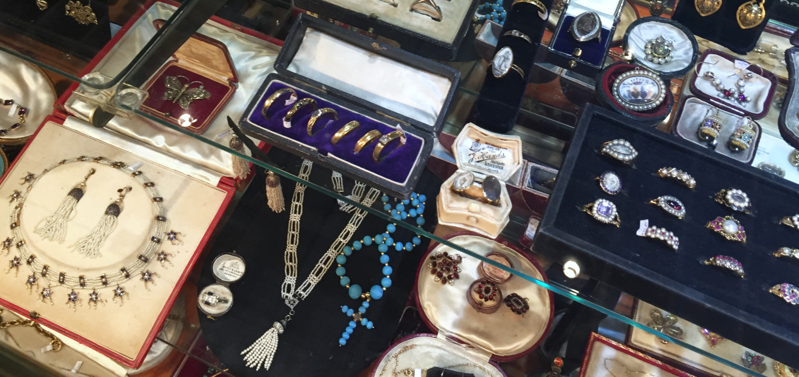 Antique jewelry shows 101 - an introduction to antique jewelry shows!