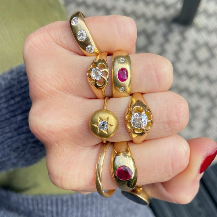 Vintage and antique gold rings from Audrey & Wolf vintage jewelry.
