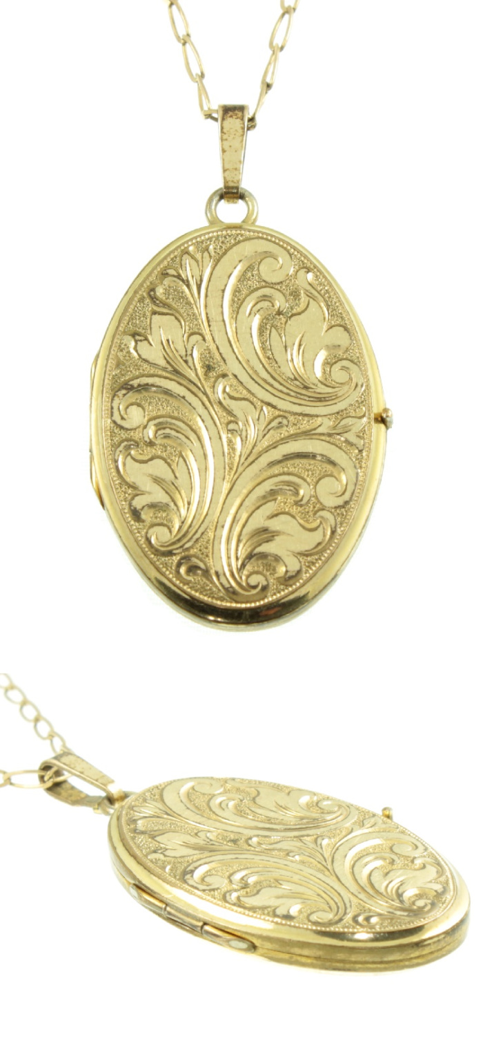 An Art Deco era rolled gold locket from Carus Jewellery. I love vintage lockets!
