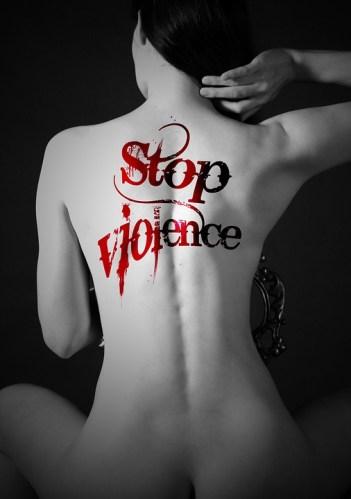 Iubirea nu inseamna reprosuri, cuvinte urate, bataie! Spuneti stop violentei!