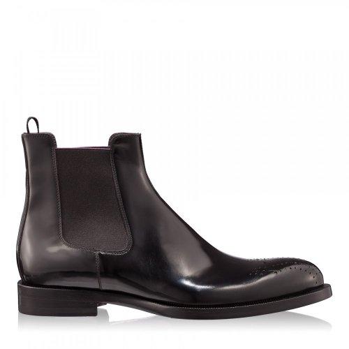 Eleganta unui barbat vine din stilul pantofilor – top alegeri pentru confort si nu numai