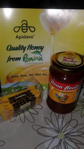 Mierea de albine - aliment pur, esență a luminii solare!