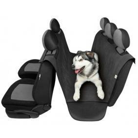 Cum să îți protejezi mașina atunci când ai animale de companie!