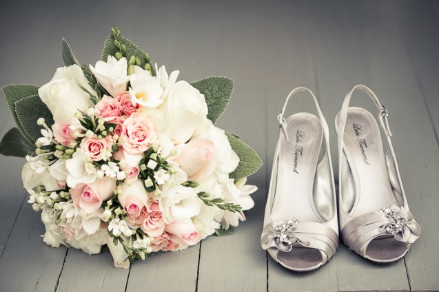 bouquet and shoes detail