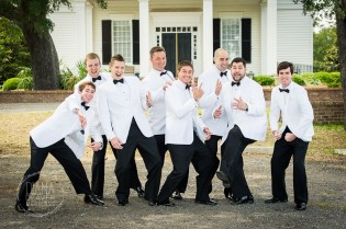 funny groom and groom'smen photo