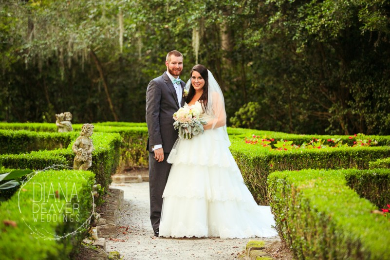 weding day portrait at magnolia plantation by charleston sc wedding photographer Diana Deaver (28)