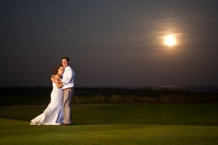 night time moon wedding photo kiawah gold resort