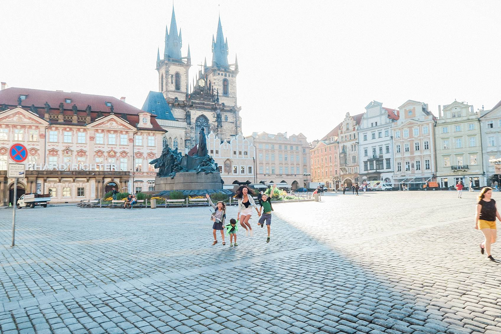 Photo guide to Prague: Old town square