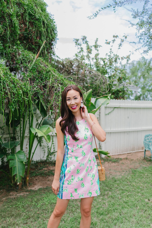 monkey print shift dress Lilly pulitzer LA STRETCH SHIFT DRESS on phoenix lifestyle blogger Diana Elizabeth in backyard tropical vibe barefoot