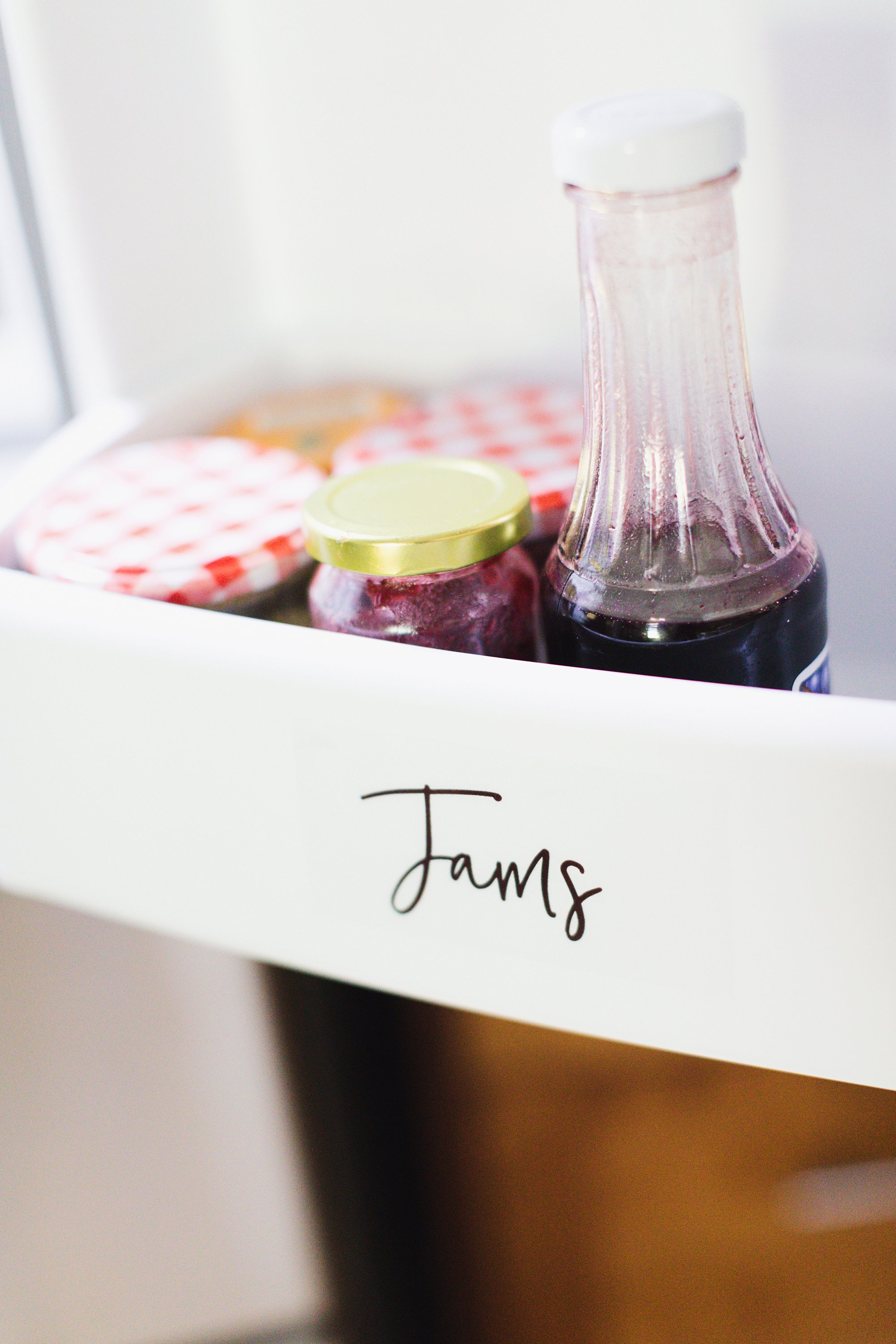 Make your own refrigerator pantry labels for organization a how to guide printing these on clear labels