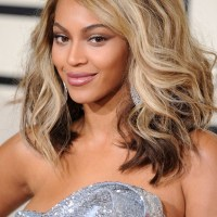 """Parul ,,bronde"""": calea de mijloc intre brunet si blond"""