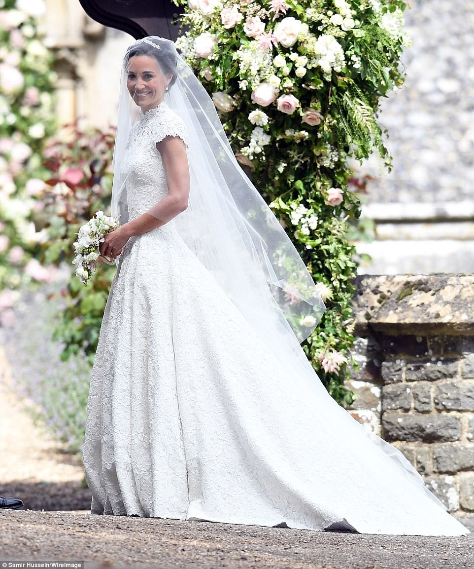 Pippa Middleton Wedding Reception Dress: Meghan Arrives Just In Time For Pippa's High-flying