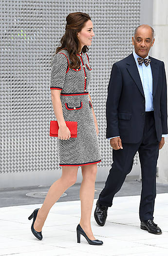 Arty Kate in high spirits as she visits V&A Photo (C) GETTY IMAGES