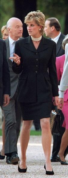 (FILES) - Picture taken 25 September 1995 in Paris of Claude Pompidou (C), widow of former French President Georges Pompidou, flanked by the princess of Walls Lady Diana (L) and French president Jacques Chirac's wife Bernadette (R), arriving for the inauguration of an exhibition. Claude Pompidou, 94, died early 03 July 2007 at her home in Paris, according to the Claude-Pompidou foundation. AFP PHOTO / ERIC FEFERBERG (Photo credit should read ERIC FEFERBERG/AFP/Getty Images)