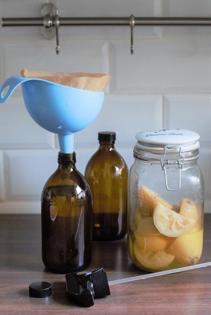 Küchenreiniger aus Zitronen