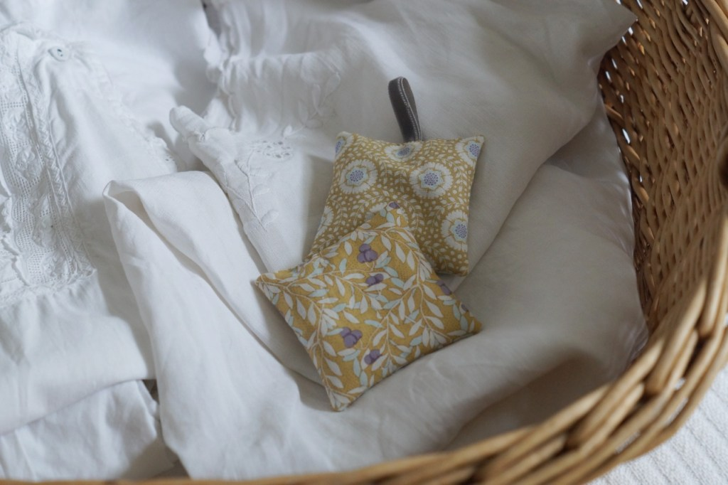 selbst genähte Lavendel Duftsäckchen und Kissen