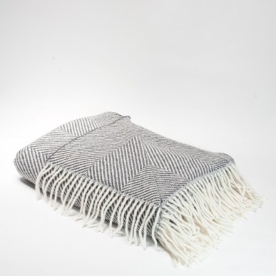 omaille.com/product/foxford-chevron-throw/
