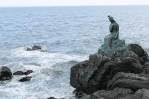 little-mermaid-statue-korea