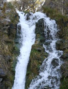 natures-wonders-waterfall