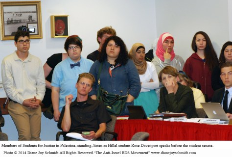 2. © SJP students listen to Hillel student copy