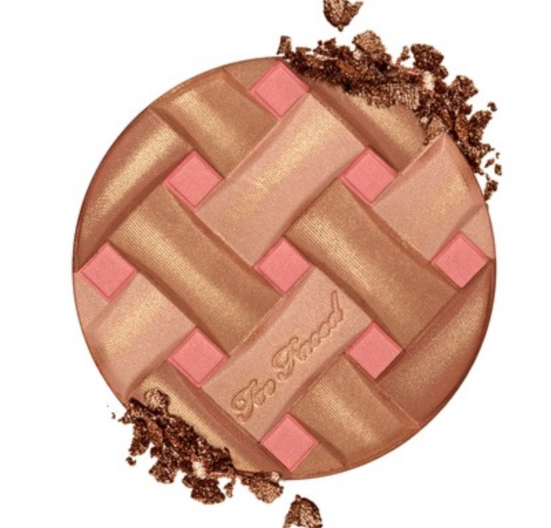 Solo pan of Lid for Close up of pan of Too Faced Sweetie Pie Radiant Matte Bronzer