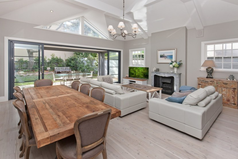 5 Tivoli Street Mosman – Souring ceiling in living area