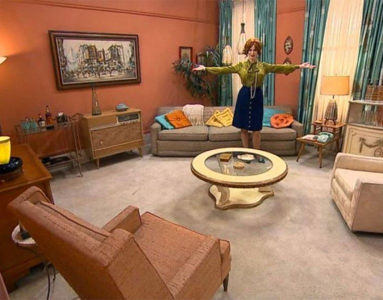 Lights, Camera, Action! Adding Hollywood Glam To Your Decor