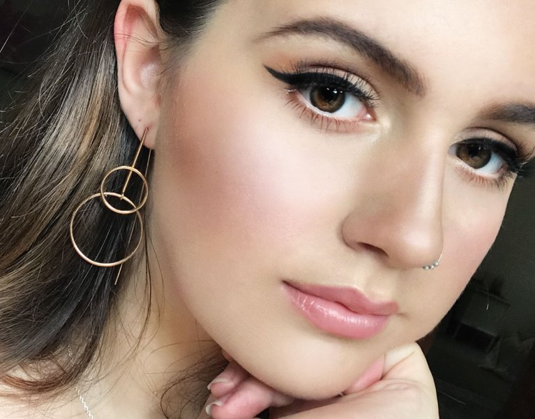 How to do the perfect winged liner