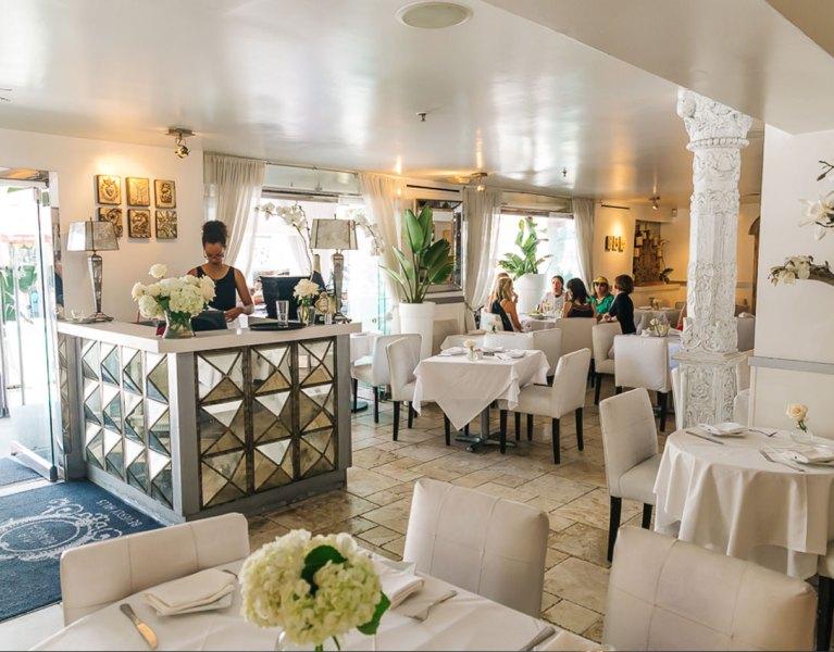 villa blanca restaurant beverly hills