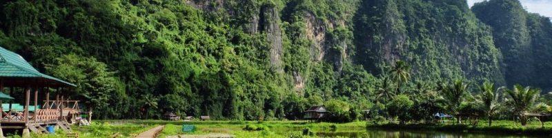 Mengagumi Indahnya Bukit Batu di Rammang-Rammang