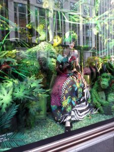 The Bergdorf windows are spectacular, but between the glare and the gawkers, difficult to photograph.