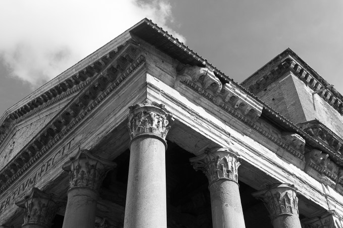 2016april23_rome_pantheon-3_bw
