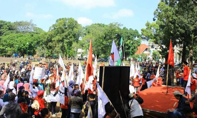 Mayday: Buruh dan Mahasiswa Serukan Ketertindasan Kaum Buruh
