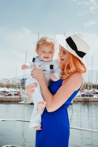 family photoshooting on yatch-3