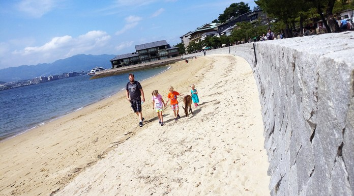 miyajima, japan, hiroshima, itsukushima shrine, great otorri, traveling with kids, family travel, diapersonaplane, diapers on a plane, ferry,