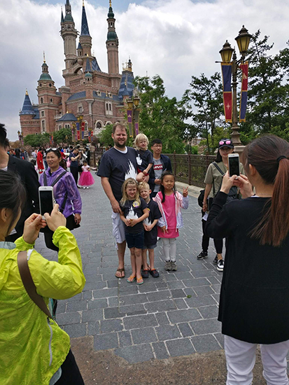 Temporary Chinese Transit Visa, 72 Hour, 144 Hour, Visa Free China, Great Wall of China, Forbidden City, Shanghai Disneyland, Toy Story Hotel Shanghai, Asia, diapersonaplane, diapers on a plane, creating family memories, family travel, traveling with kids