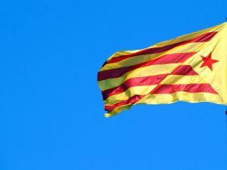 bandera estelada república catalana