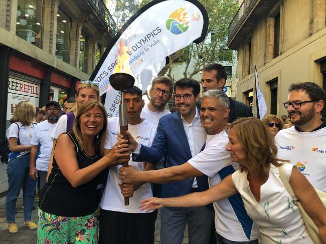 Arriba a Barcelona la torxa que il·luminarà la 11a edició dels Jocs Special Olympics