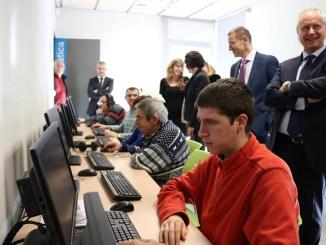 presentació equipaments informàtics grup alba campanya crowfunding