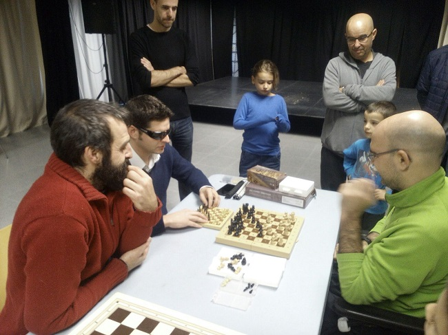 curs escacs solidari girona pesones discapacitat
