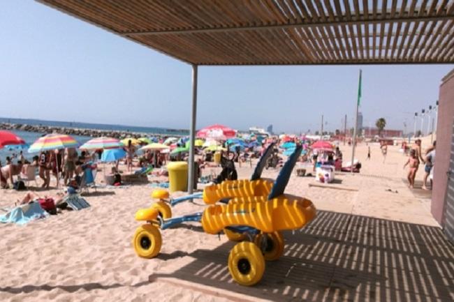 suport-bany-barcelona-discapacitat-temporada-estiu-platges