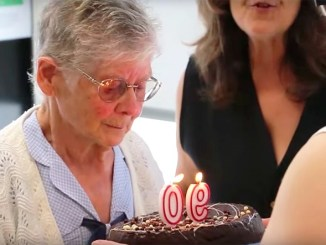 rosa-carrillo-voluntària-ampans-90-anys
