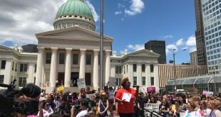 Protesta en Contra de la Prohibición del Aborto en St. Louis, Missouri (Foto: J.Klein)