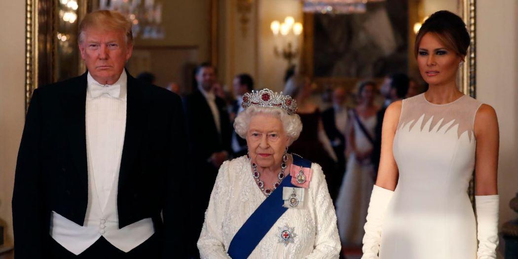 Reina Elizabeth II junto a Donald y Melania Trump