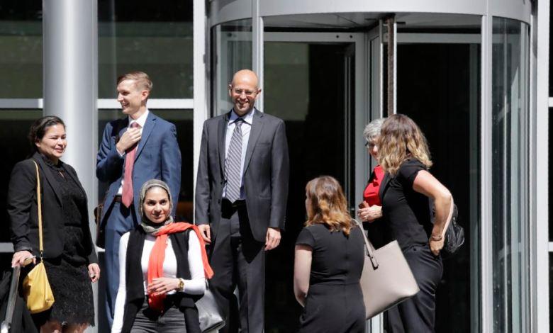 Juez bloquea política para mantener en custodia a solicitantes de asilo 1