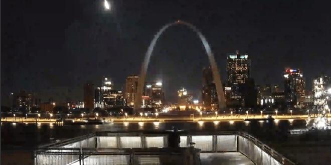 Meteorito surca el cielo de Missouri; captado en video 1