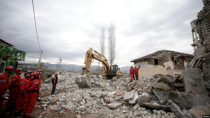 Elevan a 40 los muertos en el terremoto de Albania 4